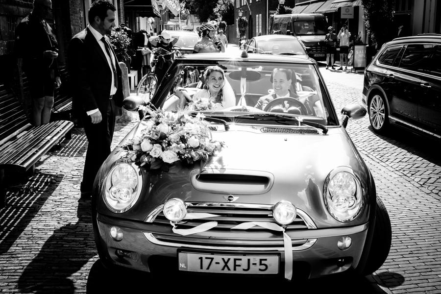 trouwen-naarden-bruiloft-miranda-en-roderik-fotograaf-selma-van-der-bijl-9